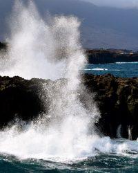 Wellenspektakel bei La Frontera, El Hierro.