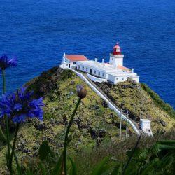 Leuchtturm, Ponta do Castelo. Ob die Leuchtturmsteuer zu seinem Erhalt beiträgt?