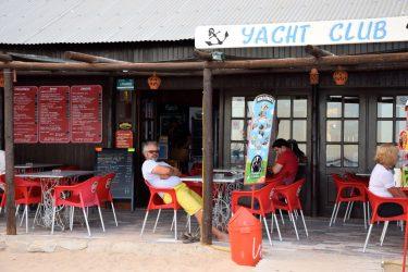 Der Yachtclub am Praia Grande.