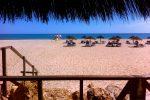 Blaues Meer und weißer Sand....