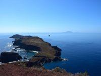 Blick nach Süden zu den Ilhas Desertas. Unser Ziel in den nächsten Wochen.