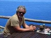 Hoch oben über dem Meer. Bei Calheta.