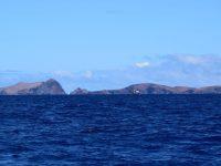 """Tschüss Madeira. Letzter Blick zurück zu unserer Lieblings-Ankerbucht, der Baia de Abra. In """"Barbara´s Welt"""" wird sie immer """"Drachenbucht"""" heissen ;-)."""