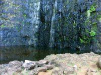 Foz da Ribeira do Aveiro. Auch im Spätsommer führt der Wasserfall noch etwas Wasser.