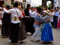 """Volkstanz zum """"Dia de las Canarias"""", Santa Cruz de Tenerife. Mai 2017."""