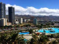 Santa Cruz de Tenerife ist eine Großstadt - aber überall gibt es grüne Inseln.