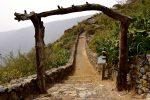 Gut ausgebaute Wanderwege bei Isora, El Hierro.