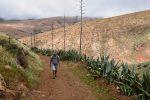 Auf geht´s. Fuerteventura, Nähe Betancuria. Wir sind die einzigen Wanderer auf der Piste....