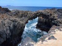 Granitfelsen an der Nordküste von La Graciosa.