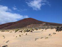 Der rote Berg, Playa Las Conchas, La Graciosa.