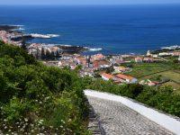 Blick auf die Inselhauptstadt Santa Cruz, Graciosa.