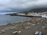 Am Strand von Praia.