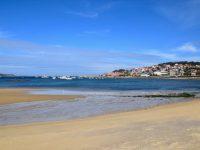 Die Bucht von Aldan, Galicien.