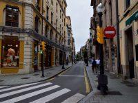 Die Straßen von Gijon. In der Altstadt gibt´s ganz viele Einbahnstraßen.