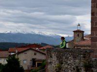 Ausblick vom alten Castell. Die Picos sind immer mit dabei.