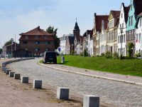 Glückstadt. Alte Bürgerhäuser an der Wasserkante.
