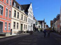 Greifswald. Auf dem Weg zum Marktplatz.