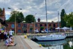 In Hafen von Swinoujscie. Einchecken mit Warteschlange.